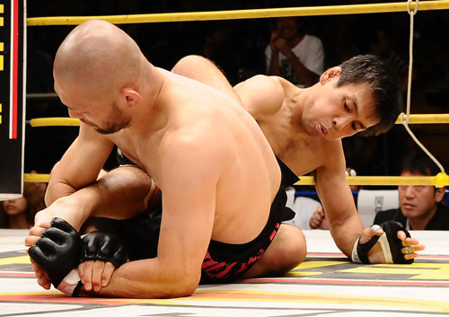 Masakazu Imanari needed little over one-minute to nail toe-hold on a veteran Makoto Oishi.