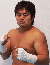 Keiichi Nishiwaki from Krush is a kick boxer with four KO's in his resume.