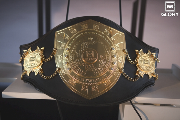 The prestigious GLORY 3 Rome 'Final 8' tournament championship belt was on display at the final press conference.