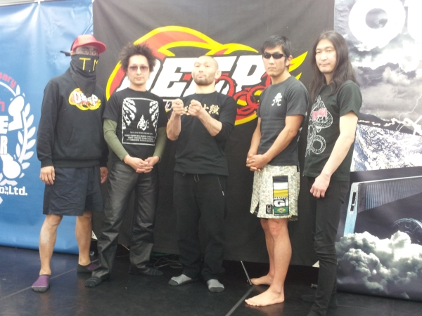 At the press conference held in Tokyo. Masakazu Imanari (center) with his fellow members of DEEP MACS HEADBANGERS