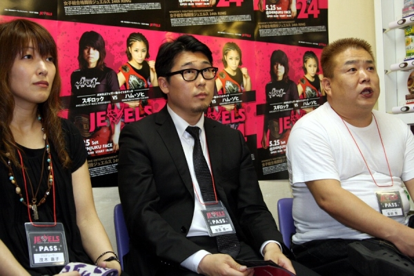 "JEWELS head Yuichi Ozono resigned (middle) as of last Saturday and DEEP head Shigeru Saeki (right) is going to take over and the promotion will restart as ""DEEP JEWELS"""
