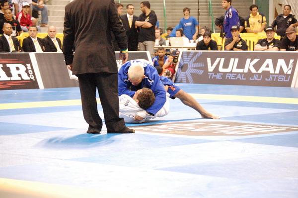 Rodolfo Vieira defeats Lucas Leite