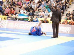 Caio Terra defeats Bruno Malfacine