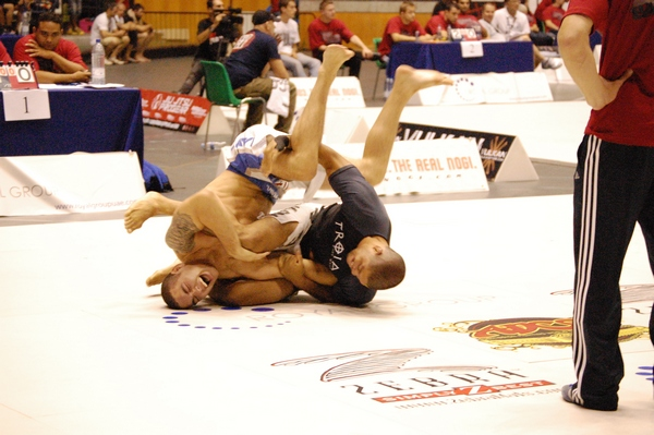 Galvao with a tight arm-lock on Chris - He escaped!!!