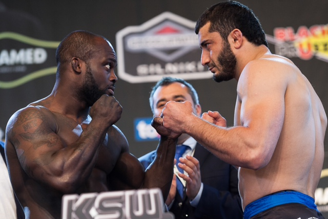 Melvin Manhoef (L) vs. Mamed Khalidov (R)