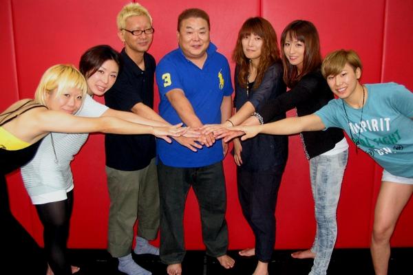 (fromt left to right) Masako Yoshida, Emi Fujino, Masao Katsui, Shigeru Saeki, Yasuko Mogi, Mika Nagano, and Megumi Sugimoto.