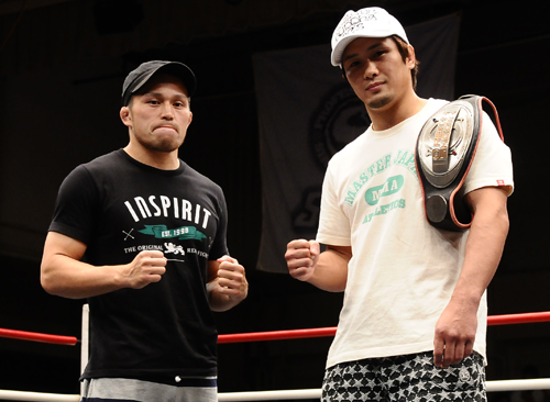 The title fight between Kuniyoshi Hironaka (right) and Yoshihiro Koyama (left) was announced on this Saturday at Shooto event held at Korakuen Hall.