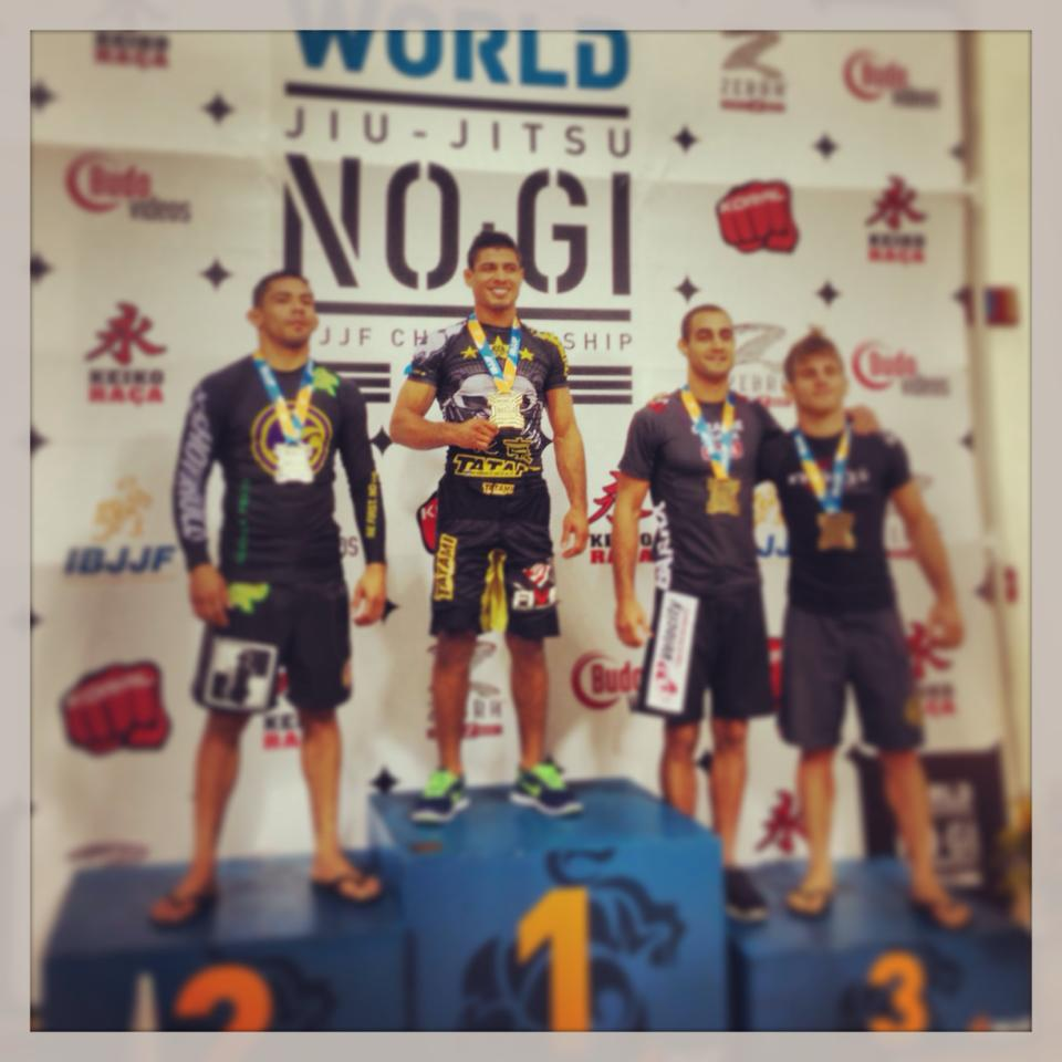 JT at the top of the podium - foto personal archives