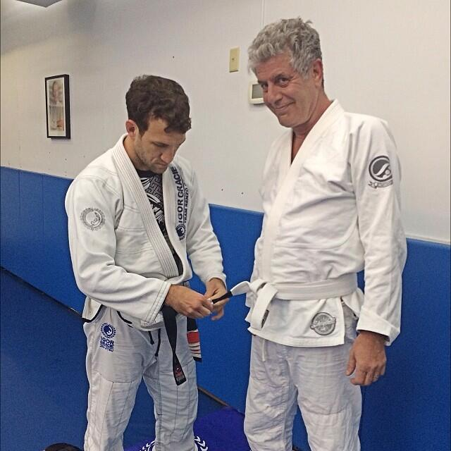 Igor Gracie gives Anthony Bourdain his 1st Stripe - Photo Personal Archives