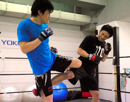Yuki Kondo (left) and Takafumi Ito (right) at the media work out held at P's LAB in Tokyo.