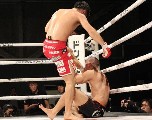 Shintaro Ishiwatari sealed the victory with series of soccer kicks to the head.