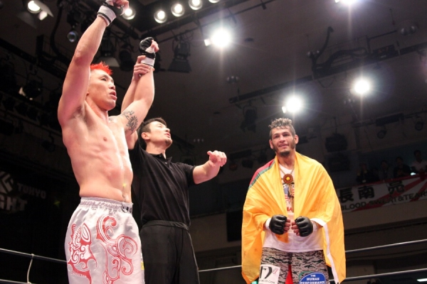 Ryo Chonan (left) defeated Dan Hornbuckle (right) in the headliner of the first TTF show. For this second TTF show, Chonan can concentrate on his role as a promoter.