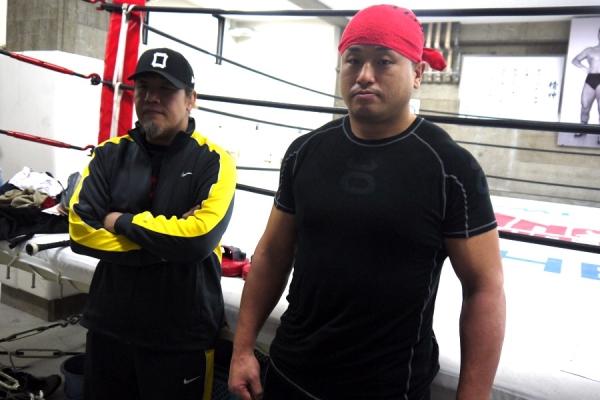 Shinichi Suzukawa (right) with his new MMA coach Yoshiki Takahashi (right).