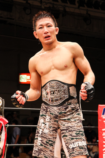 Besides Kyoji Horiguchi who is currently under the UFC contract, Yuki Motoya proved that he is indeed the best in Japan at 125 lbs by submitting DEEP flyweight champion Tatsumitsu Wada.