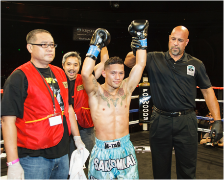 Victor Saravia victorious at Lion Fight 17