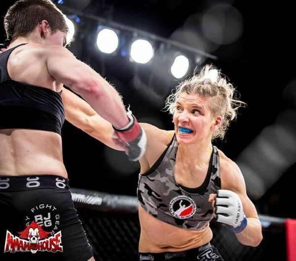 """Lethal"" Lindsay Garbatt is a former pro boxing champion with a pro MMA record of 1-0"