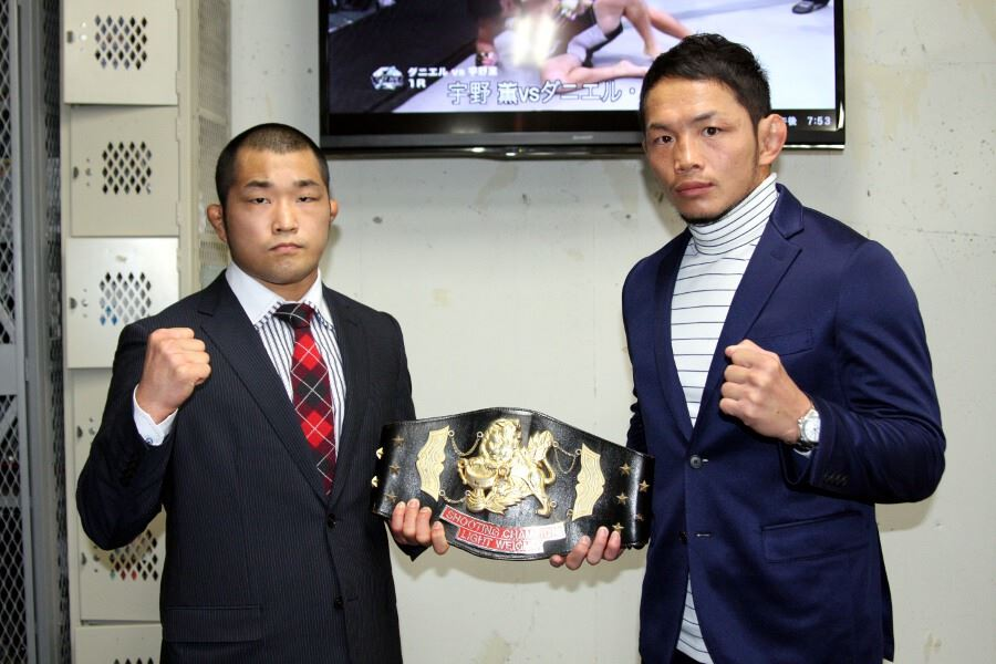 Caol Uno (right) and Yoshifumi Nakamura (left) at the press conference held late last year in Tokyo