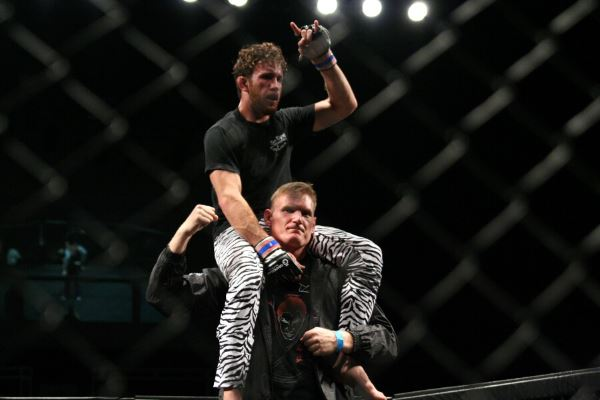 A student of UFC / PRIDE veteran Josh Barnett, 27-year old Victor Henry improved his pro MMA record to 9-1