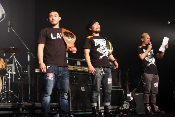 Hiromasa Ogikubo (left) and Mamoru (right) at music event held at Shin Kiba Studio Court