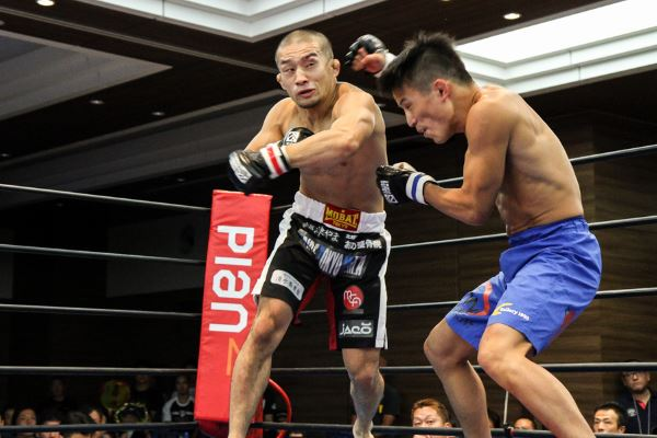 Kiyotaka Shimizu (left) scored a KO win in the headliner of TTF CHALLANGE 02 as well. Shimizu is looking to extend his win streak to four against Yusaku Nakamura in the headliner of TTF CHALLENGE 04