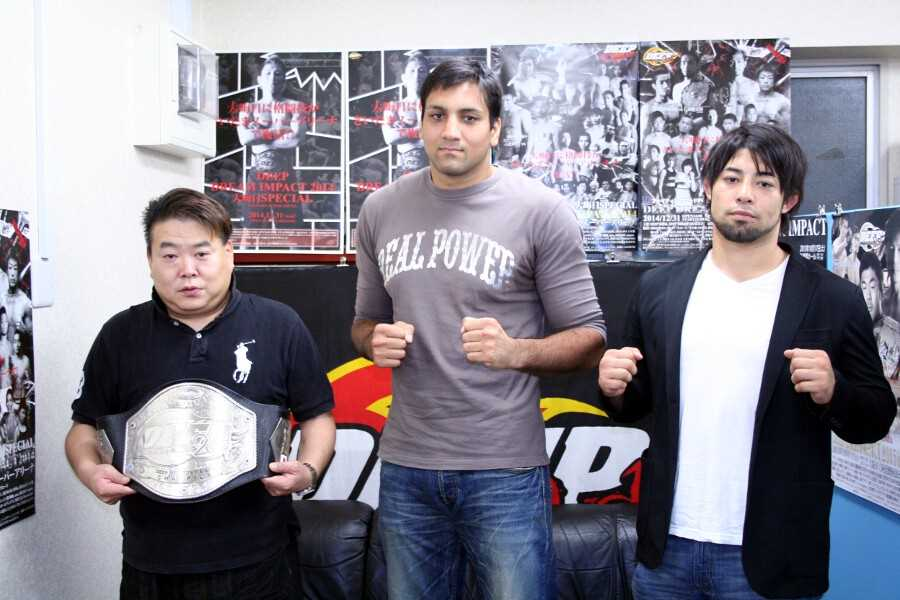 "At the press conference held on Wednesday in Tokyo. (from left to right) DEEP head Shigeru Saeki, Singh ""HEAT"" Jaideep, Ken Hasegawa"