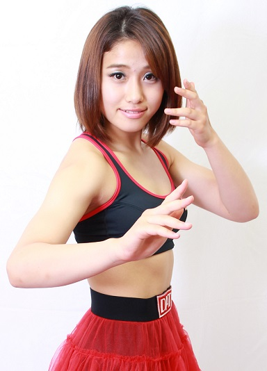 Hana DATE, who has no prior pro MMA bout in her resume, is taking on a WSOF veteran Emi Fujino in DEEP JEWELS 10