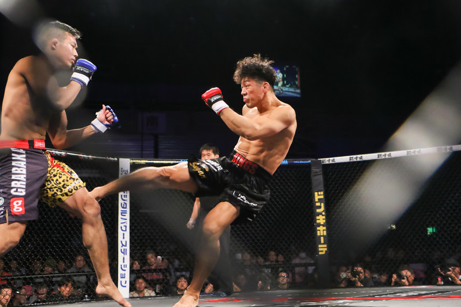WEC veteran Hiromitsu Miura (right) just made a comeback to MMA earlier this month after six years in professional boxing