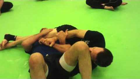 Head scissors choke for BJJ (Carlson Gracie choke!) YouTube Thumbnail