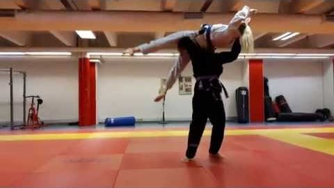 How to Pick Up a Girl - BJJ style YouTube Thumbnail