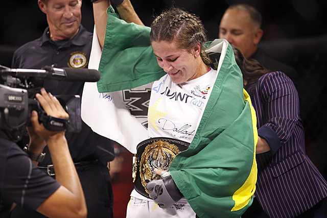 Jennifer Maia with  belt